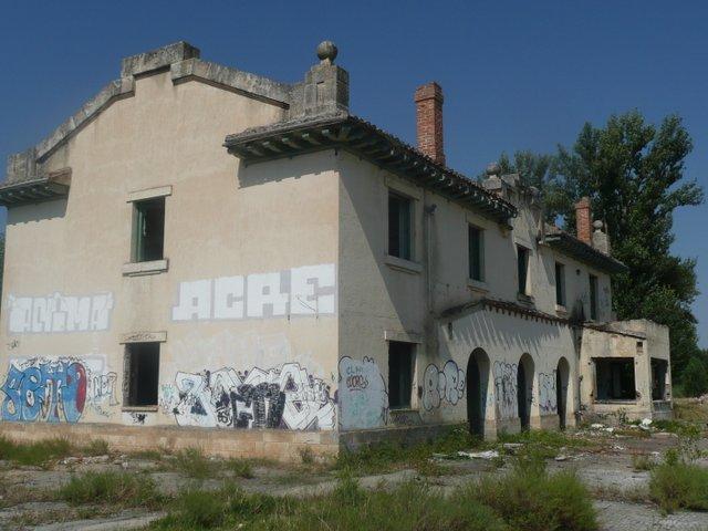 estación abandonada de Gumiel de Izán (juio del 2014)