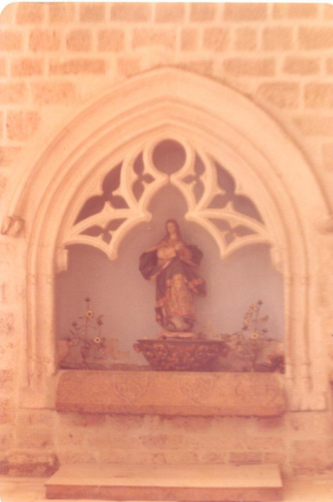 capilla nicho con la imagen de la Inamculada