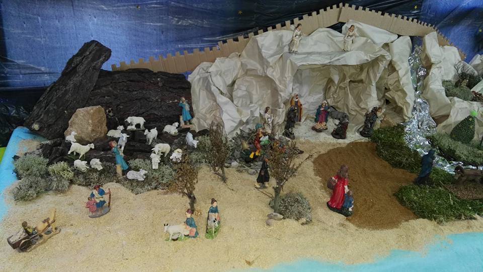 escena central del belén: portal y pastores