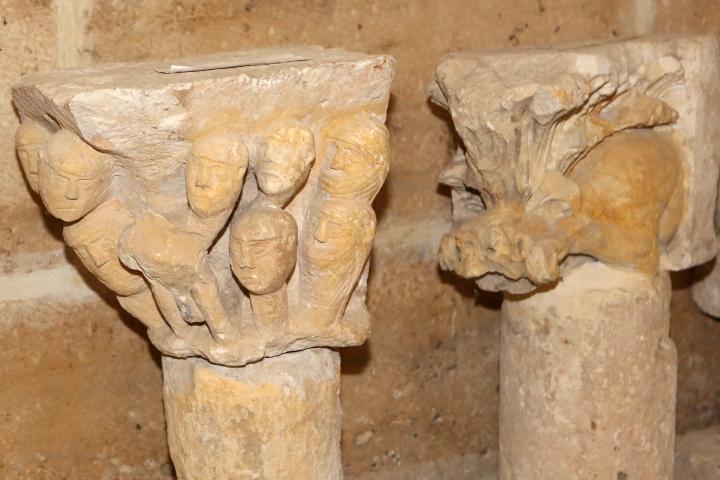Capitel de los guerreros y Capitel del gatospa