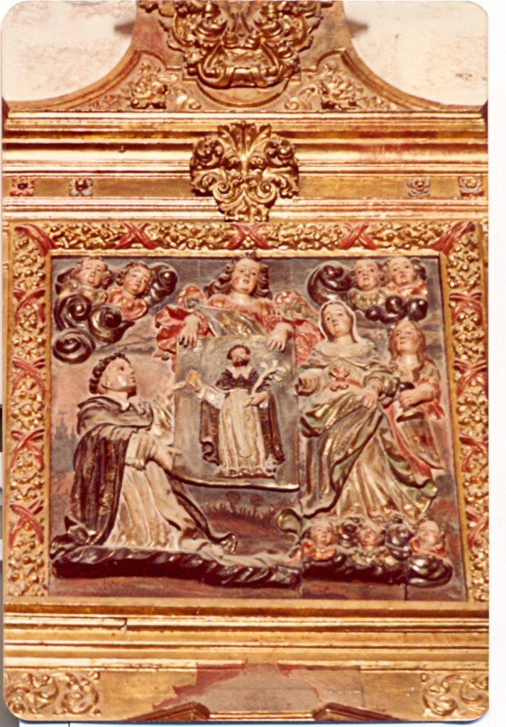 Altorrelieve representando la aparición de la Virgen a santo Domingo de Guzmán