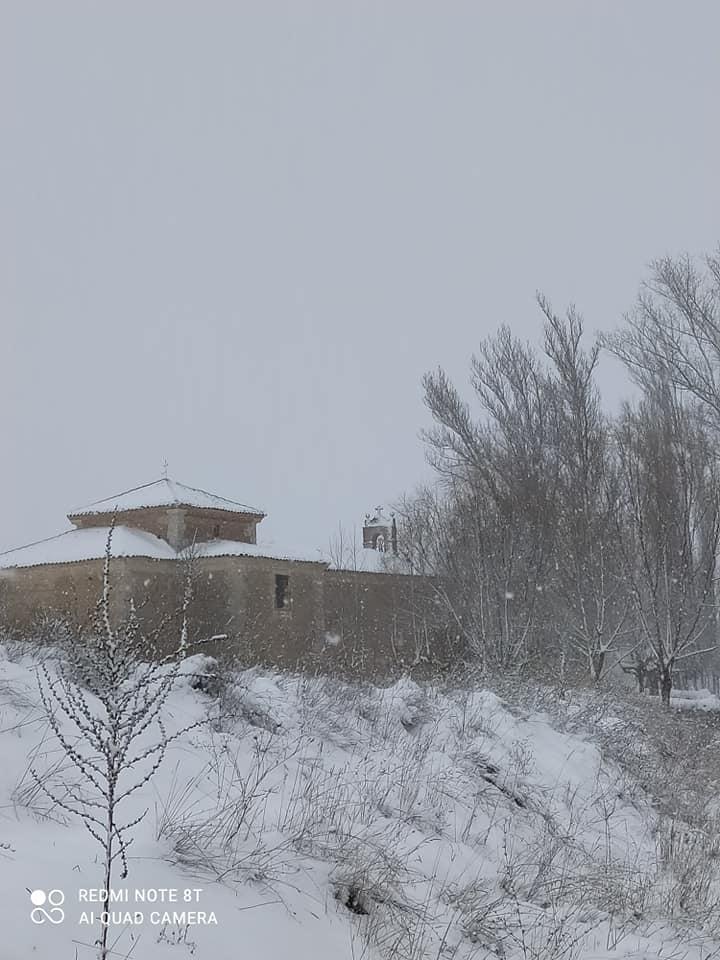 Vista norte de la ermita de la Virgen